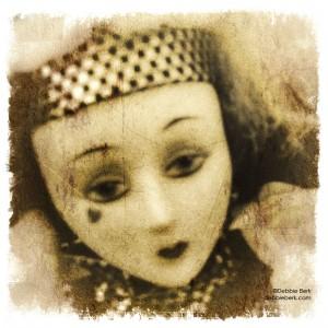 Vintage-Grunge-Doll-Face